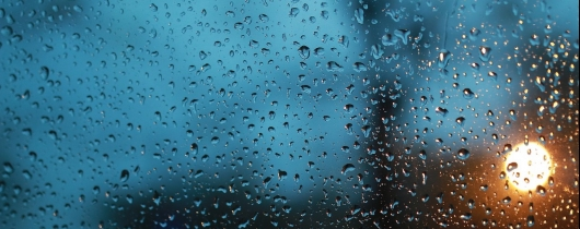 Its-raining-glass-rain-king-raindrops-1594135